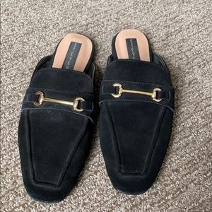 STEVEN by Steve Madden black and gold slides